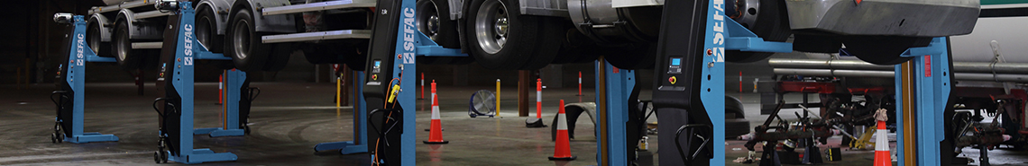 Mobile column lifts for heavy duty vehicles