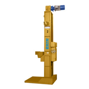 Mobile lifting jacks with extendable claws