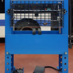 Hydraulic workshop press with protection